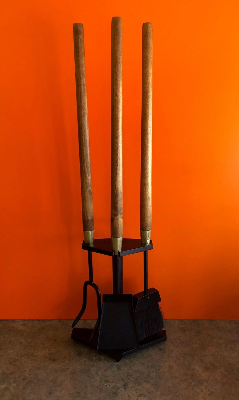 Modernist Set of Fire Place Tools in Iron, Walnut and Brass by Seymour Mfg For Sale 6