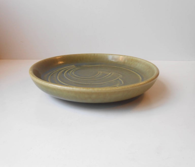 Glazed Modernist Stoneware Dish with Green Glaze by Eva Stæhr Nielsen for Saxbo For Sale
