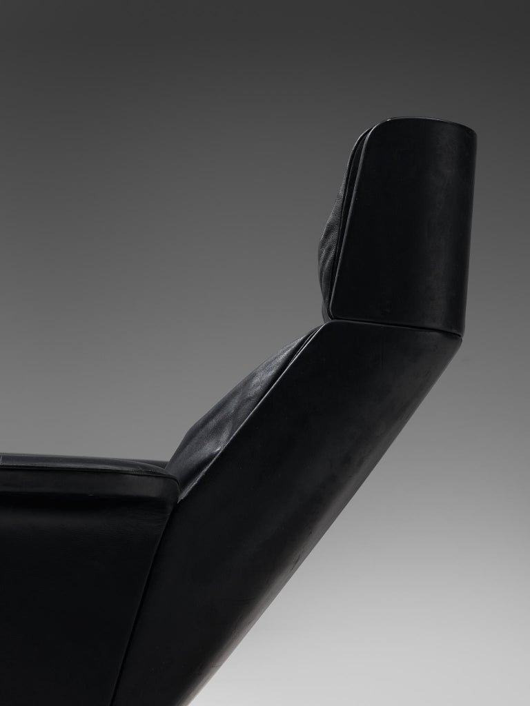Modernist Swivel Lounge Chair with Ottoman in Black Leather For Sale 3
