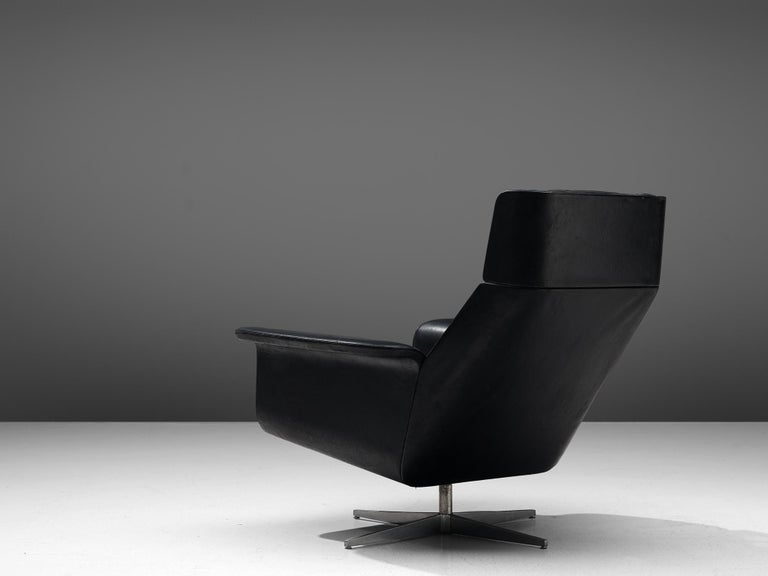 Modernist Swivel Lounge Chair with Ottoman in Black Leather In Good Condition For Sale In Waalwijk, NL