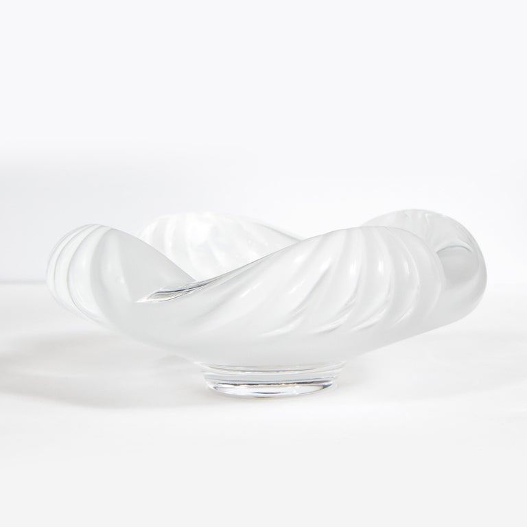 Modernist Translucent and Frosted Channeled Crystal Bowl Signed Lalique For Sale 3
