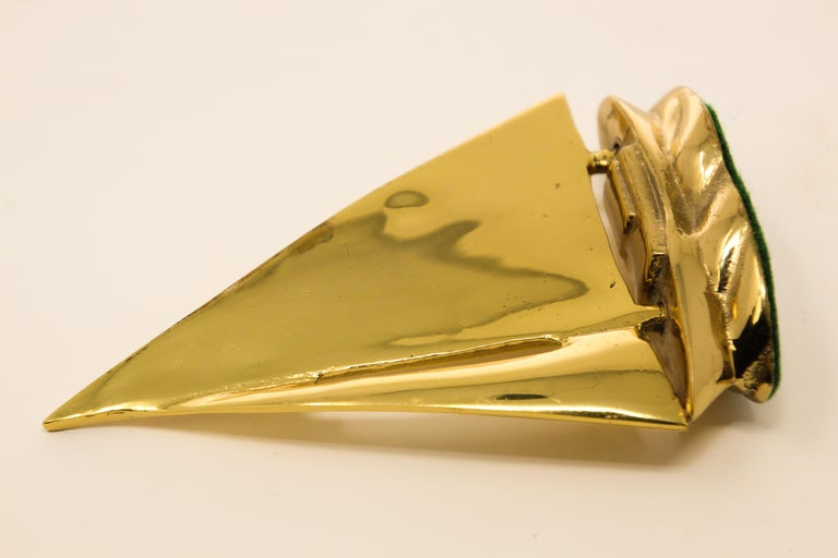 Modernist Vintage Polished Brass Sailboat Paperweight For Sale 3