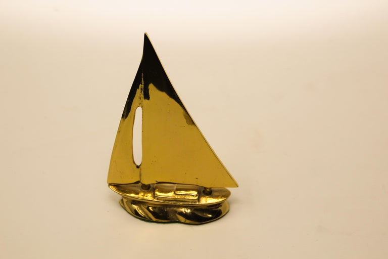 Modernist Vintage Polished Brass Sailboat Paperweight For Sale 6