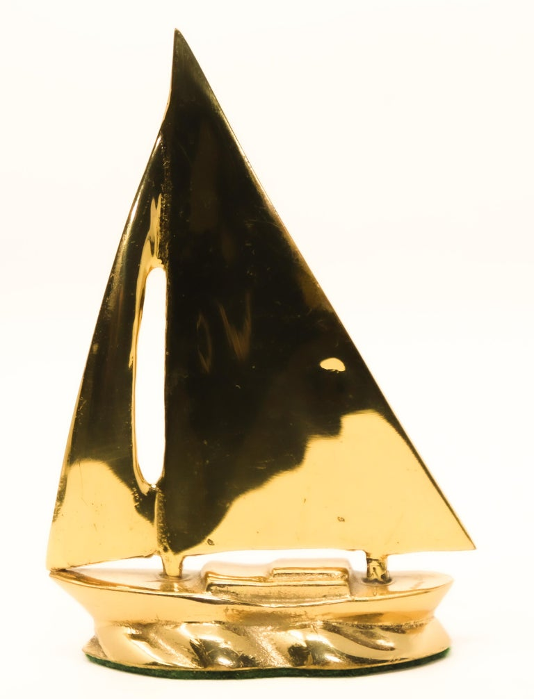 Modernist Vintage Polished Brass Sailboat Paperweight For Sale 7