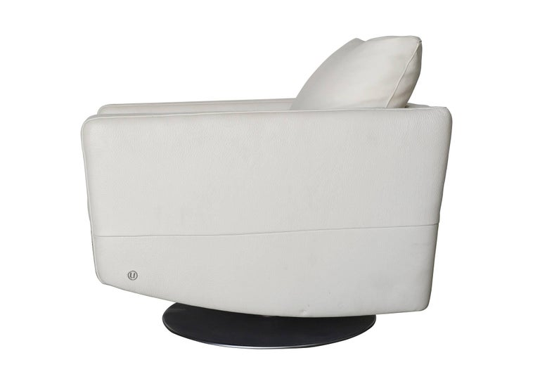 Modernist White Swivel Lounge Chair with Brush Steel Base In Excellent Condition For Sale In Van Nuys, CA