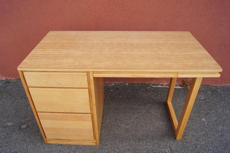 Mid-Century Modern ModernMates Desk by Leslie Diamond for Conant Ball For Sale