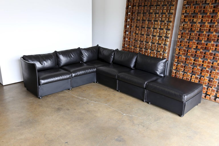 Mid-Century Modern Modular Leather Char-a-Banc Sofa by Mario Bellin for Cassina For Sale