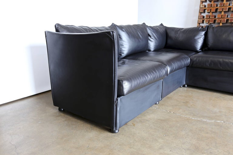 Modular Leather Char-a-Banc Sofa by Mario Bellin for Cassina For Sale 3