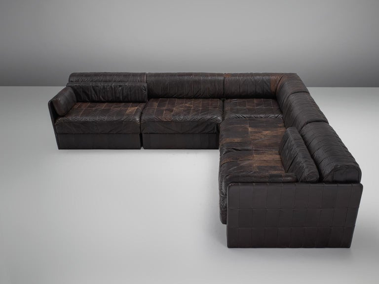 De Sede, sofa DS 88, dark brown patinated leather, 1970s.   This comfortable leather sofa is manufactured by De Sede in Switzerland. Sectional sofa by the Swiss quality manufacturer De Sede. This sofa consists of five elements. The cushions are