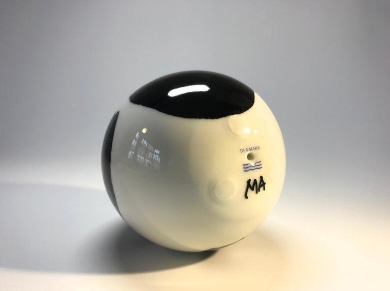 Mogens Andersen, Royal Copenhagen Porcelain Signed First Series Annual Egg 1975 For Sale 1