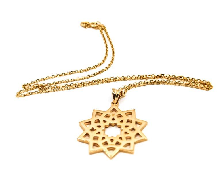 Women's Arabesque Deco Pendant in 18kt Gold For Sale