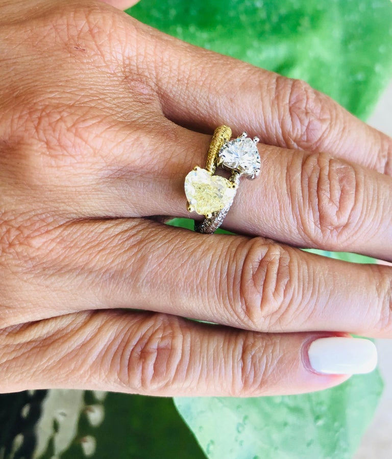 Moi Et Toi Double Hearts 3.46 Carat Diamonds Ring 18 Karat For Sale 5