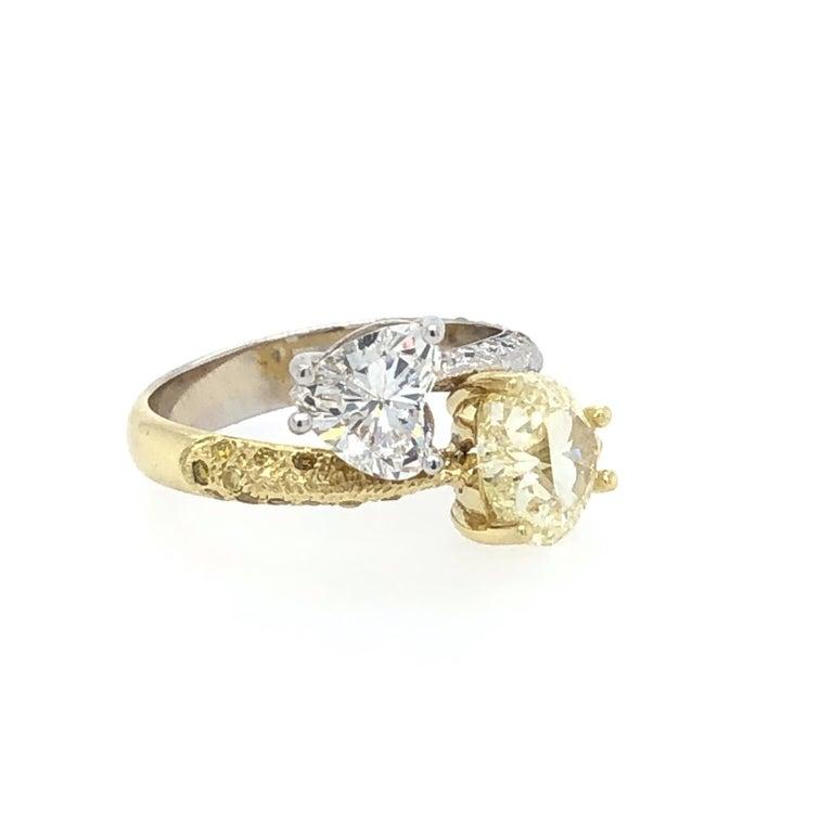 Moi Et Toi Double Hearts 3.46 Carat Diamonds Ring 18 Karat In Excellent Condition For Sale In Miami, FL