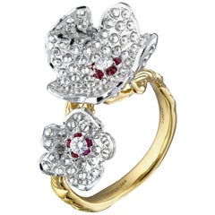 Moiseikin 18 Karat Gold Diamond Flower Ring