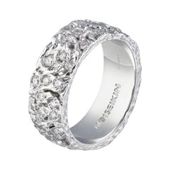Moiseikin 18 Karat White Gold Diamond Starry Night Infinity Ring
