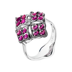 Moiseikin 18 Karat White Gold Ruby Ring