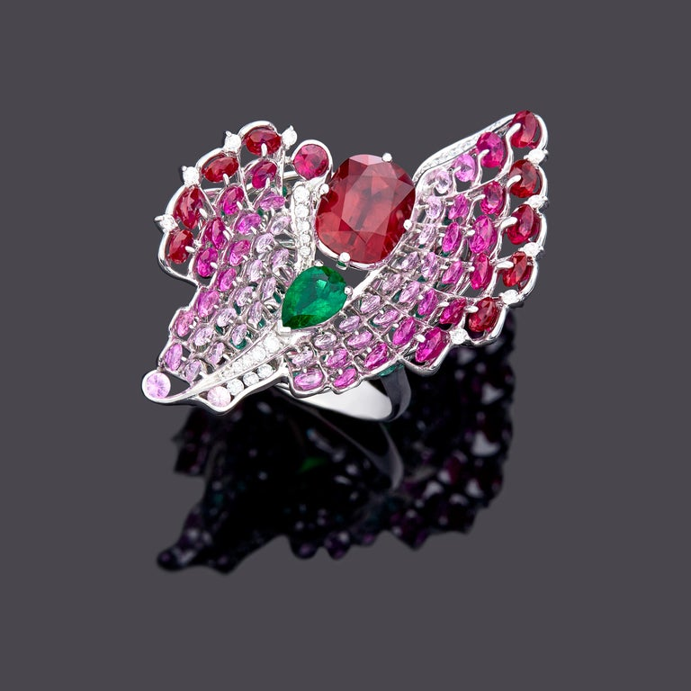 Moiseikin 18 Karat White Gold Ruby Emerald Butterfly Cocktail Ring In New Condition For Sale In Hong Kong, HK