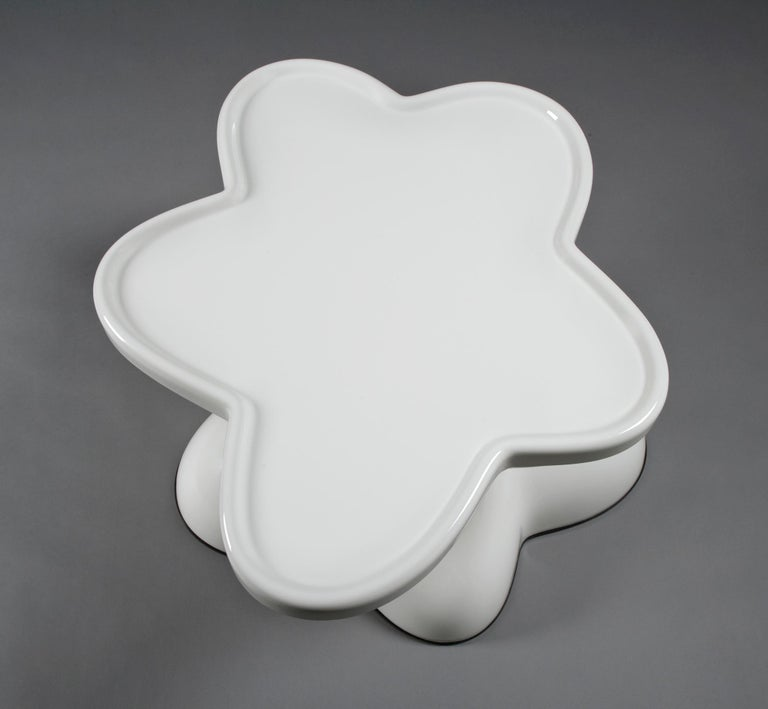 Wendell Castle Molar Swivel Coffee Table in White Plastic In New Condition For Sale In New York, NY