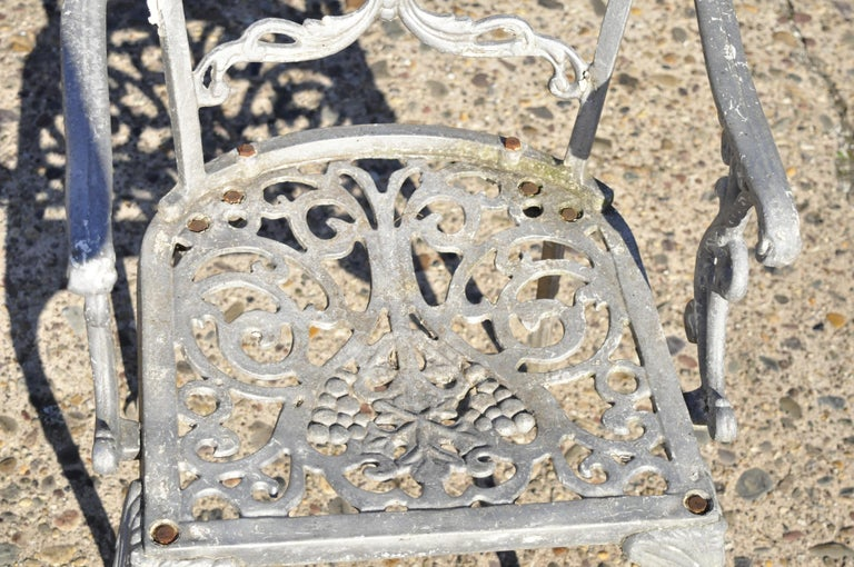 Molla Antique French Victorian Aluminum Garden Patio Bistro Dining Set, 3 Piece In Good Condition In Philadelphia, PA