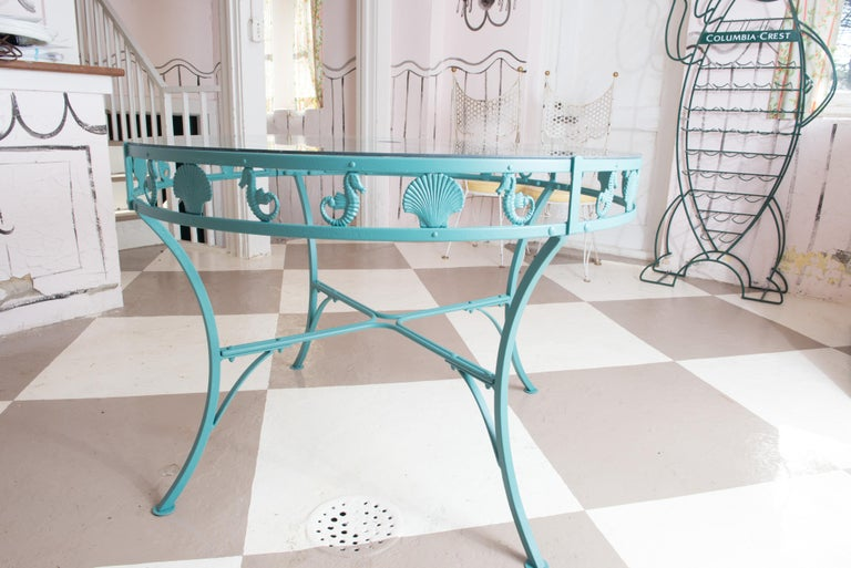 Painted Molla Metal Seahorse & Clam Shell Garden Dining Table For Sale