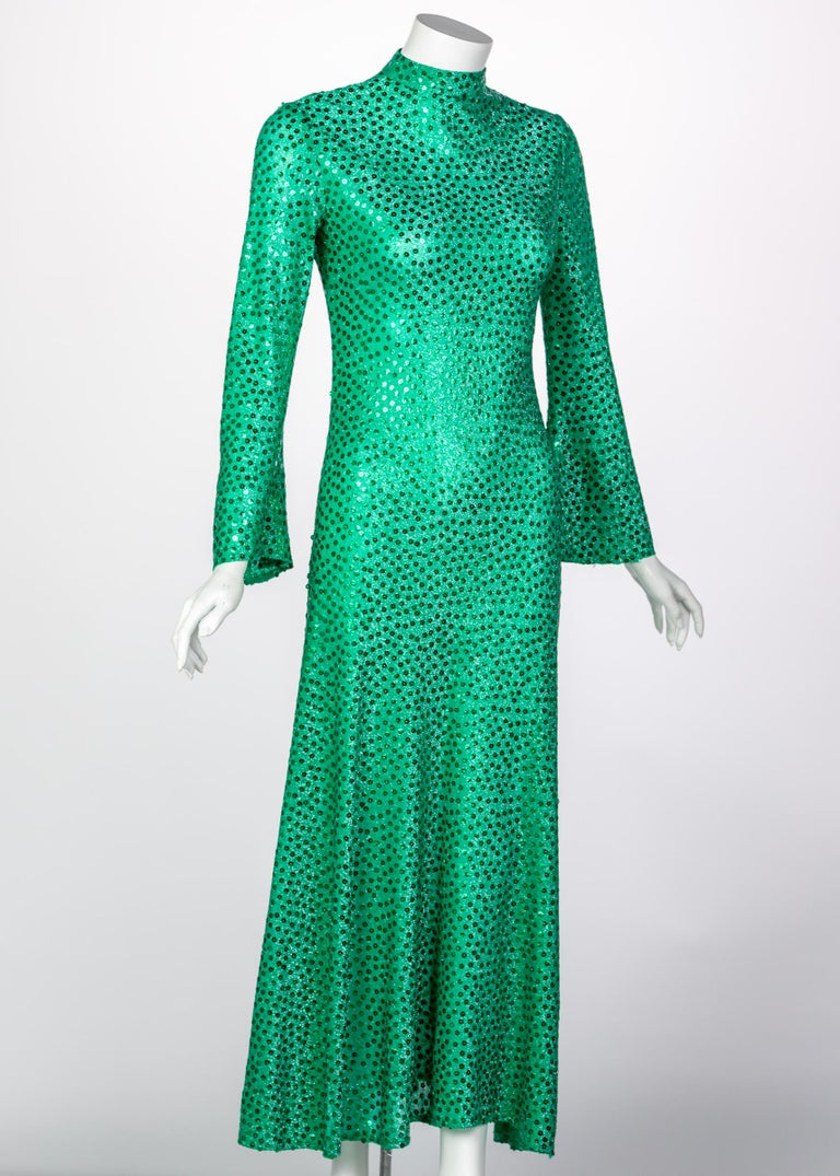 Mollie Parnis Emerald Green Mock Neck Sequin Dress, 1960s In Excellent Condition For Sale In Boca Raton, FL