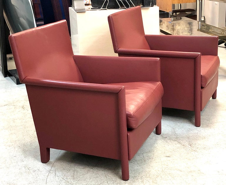 Italian Molteni & C Red Leather Pair of Lounge Chairs For Sale