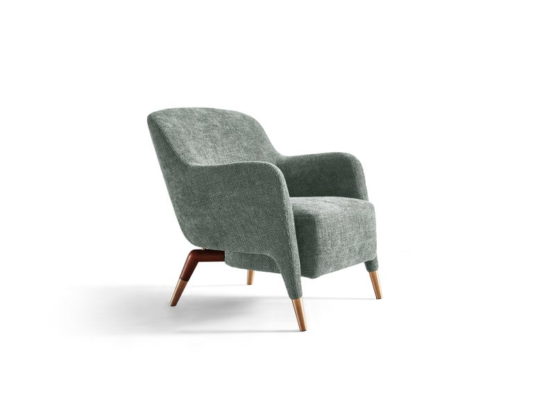 Part of the Molteni&C Heritage Collection, the D.151.4 armchair, is a designed coming from Gio Ponti passion about nautical furnishings. Gio Ponti gained direct experience in four ocean liners and two cruise ships upgraded or built from scratch
