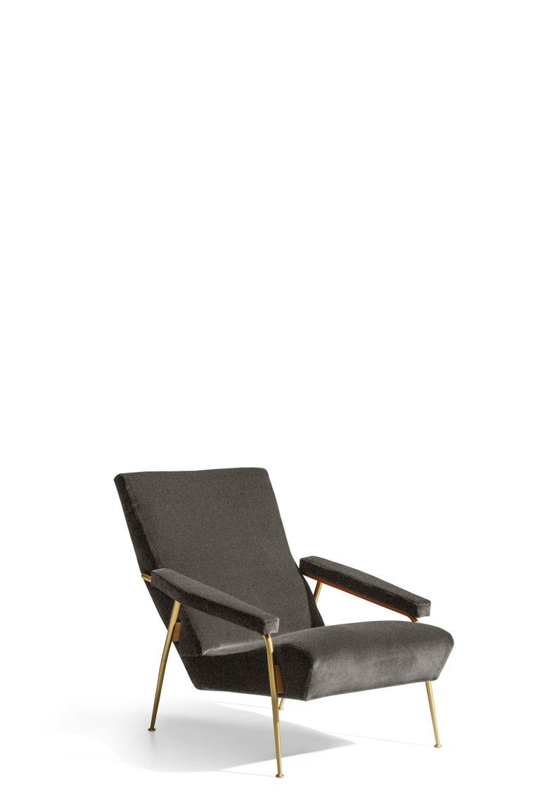 Part of the Molteni&C Heritage collection, this armchair is a re-make of the D.153.1 designed initially in 1934 by Gio Ponti his own residence in Via Dezza in Milan.  This re-edition is produced by Molteni&C based on the original drawings from the