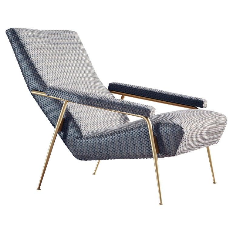 Molteni&C D.153.1 Armchair in Blue Punteggiato Velvet by Gio Ponti For Sale