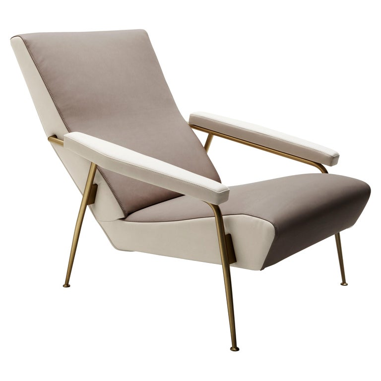 For Sale: Beige (S1211-1222_Paper White / Sand) Molteni&C D.153.1 Armchair in Leather by Gio Ponti