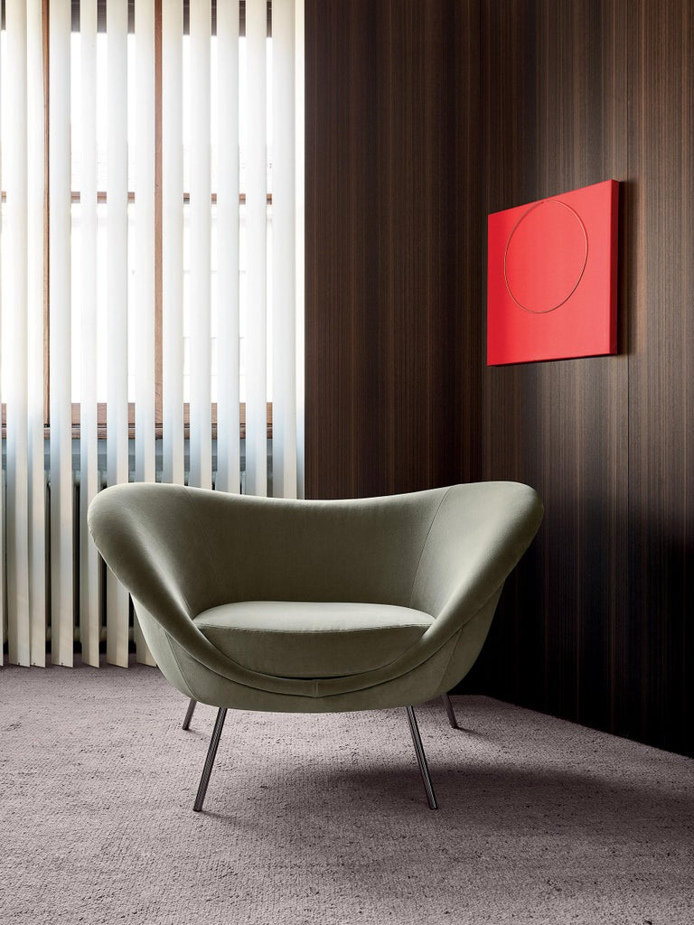 Hand-Crafted Molteni&C D.154.2 Armchair in Velvet by Gio Ponti For Sale