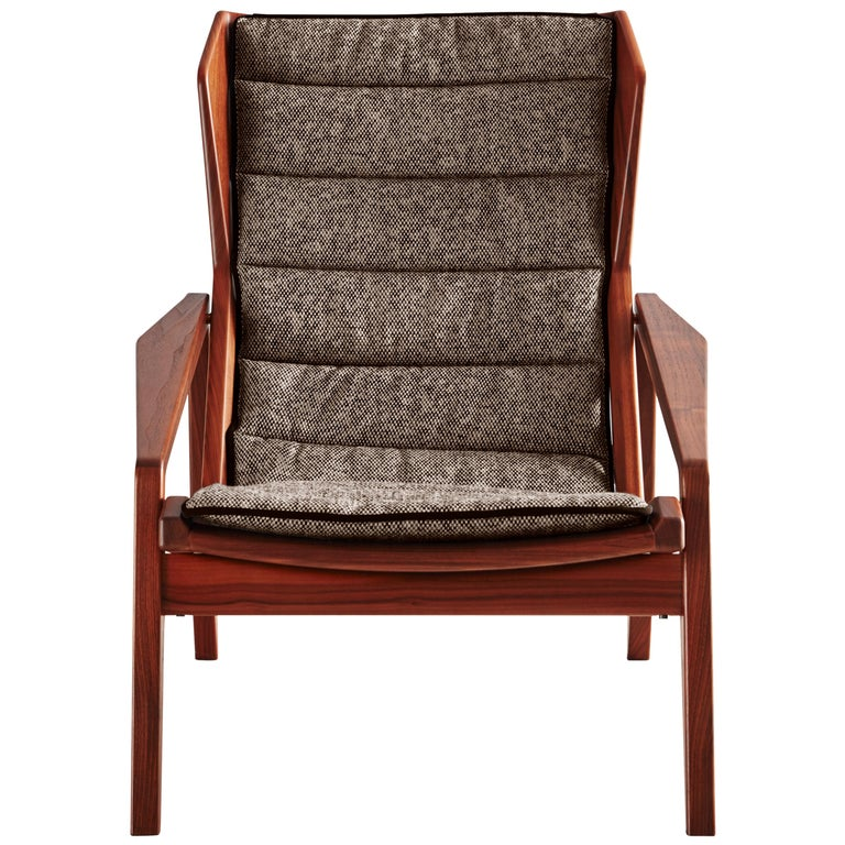 Molteni&C D.156.3 Armchair in American Walnut Structure and Linen by Gio Ponti For Sale
