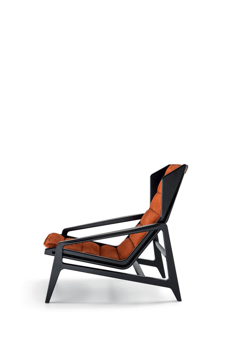 Contemporary Molteni&C D.156.3 Armchair in Glossy Black Laquered Wood & Leather by Gio Ponti For Sale