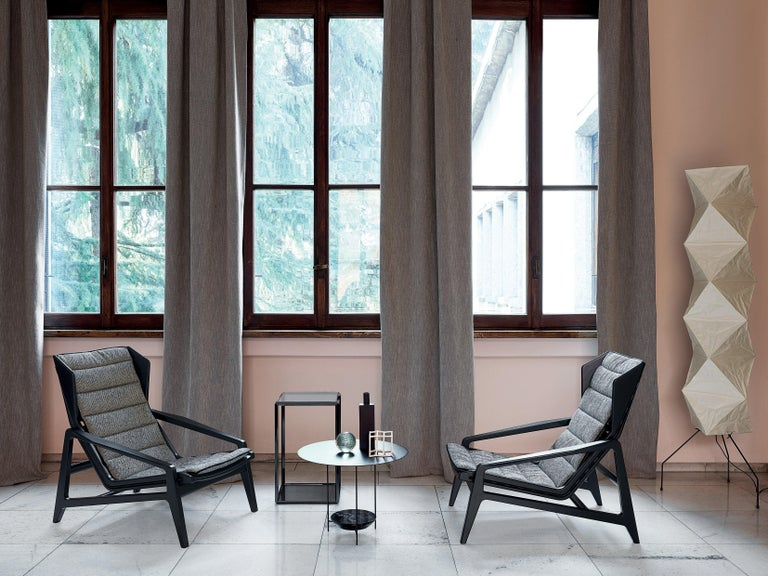Modern Molteni&C D.156.3 Armchair in Glossy Black Wood and Yellow Canvas, Gio Ponti For Sale