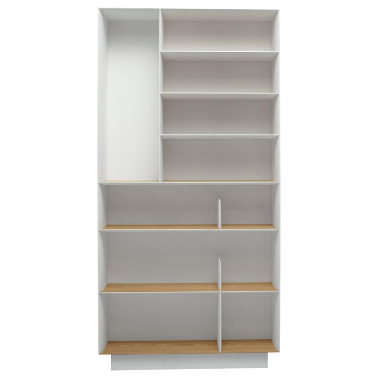 Molteni&C D.357.1 Bookcase in Hand Painted White by Gio Ponti For Sale