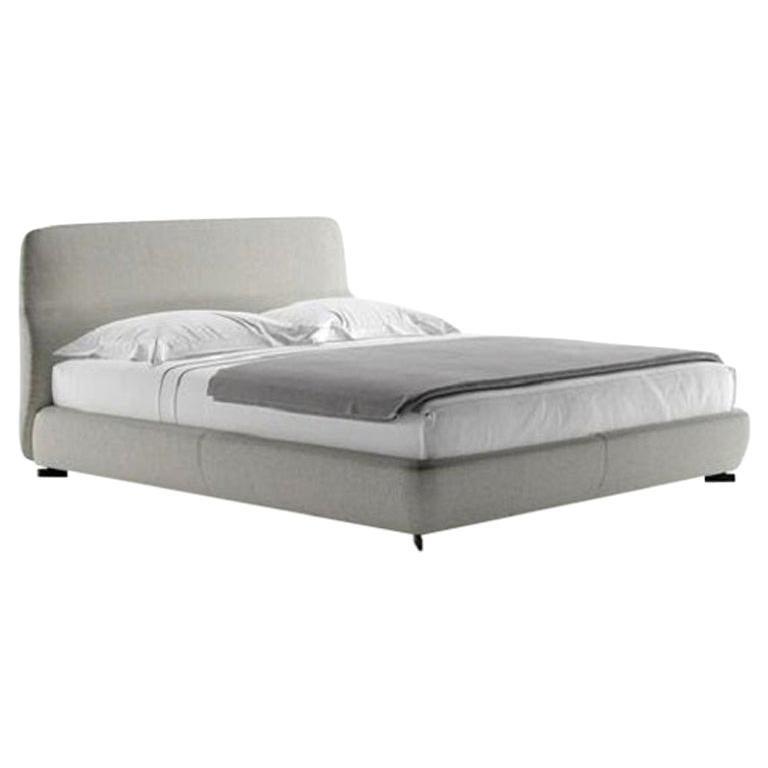 Molteni&C Greenwich King Size Bed Design Rodolfo Dordoni Light Grey Fabrics