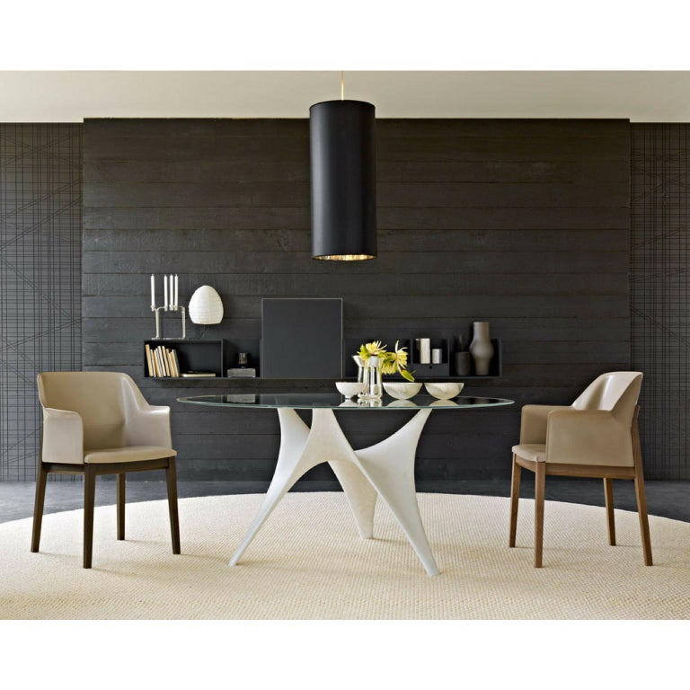 Modern Molteni&C Round Arc Dining Table with Glass Top and Cement Base For Sale