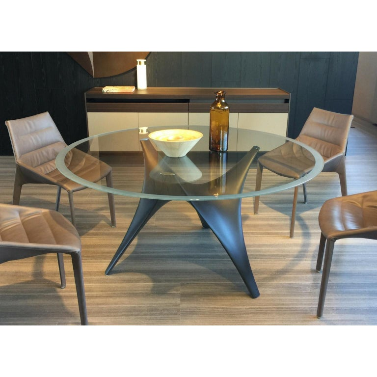 Italian Molteni&C Round Arc Dining Table with Glass Top and Cement Base For Sale