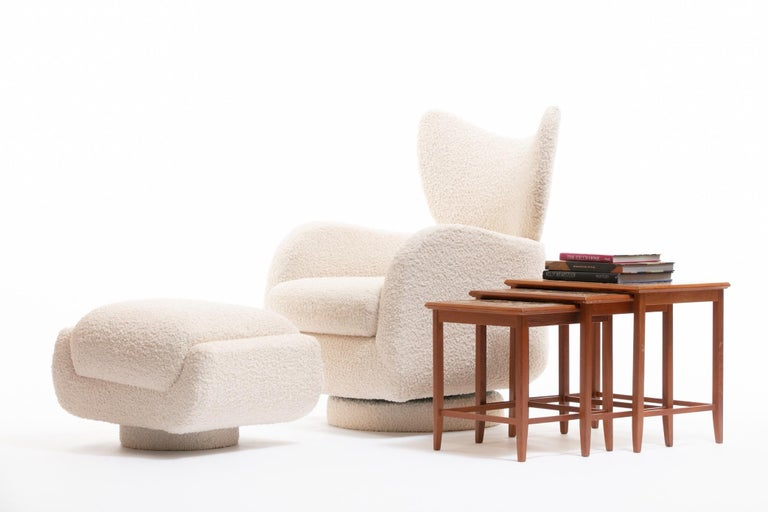 Mom & Pop Pair Vladimir Kagan Wingback Swivel Chairs & Ottomans in Ivory Bouclé For Sale 9