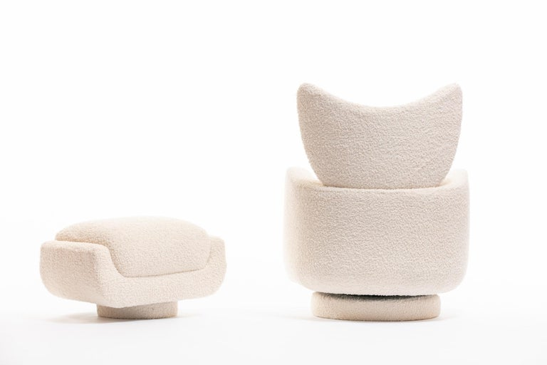 Mom & Pop Pair Vladimir Kagan Wingback Swivel Chairs & Ottomans in Ivory Bouclé For Sale 12
