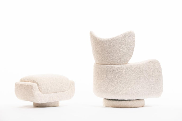 Mom & Pop Pair Vladimir Kagan Wingback Swivel Chairs & Ottomans in Ivory Bouclé For Sale 13