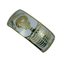Momento Mori 18 Carat Gold and White Enamel Skull Skeleton Ring Size L
