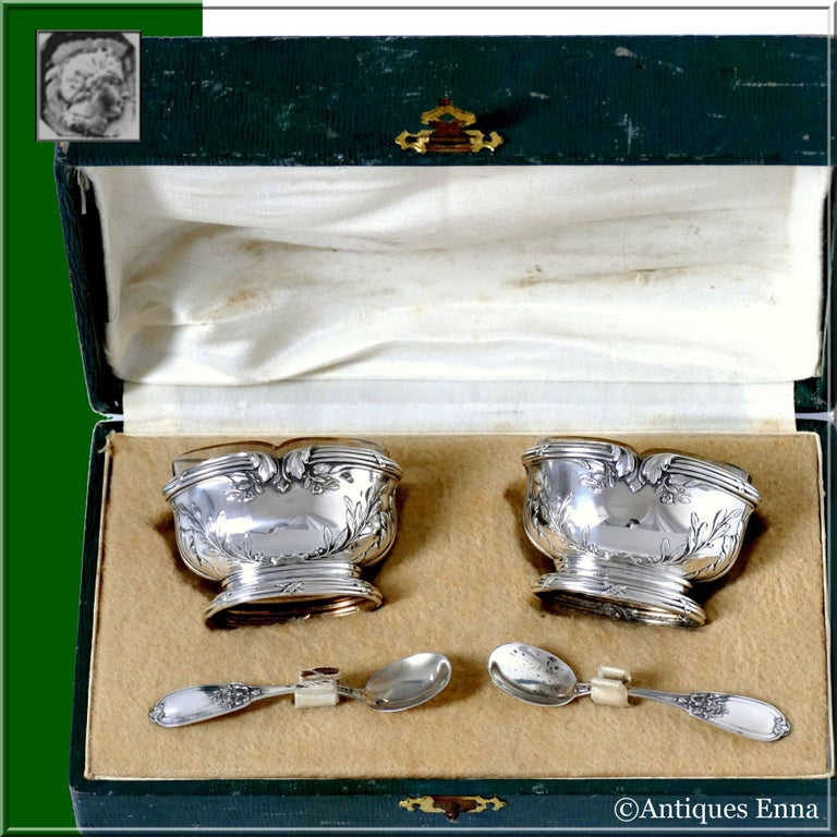 Head of Minerve 1st titre on salt cellars and spoons for 950/1000 French sterling silver vermeil guarantee. The quality of the gold used to recover sterling silver is a minimum of 750 mils (18K).  Fabulous French sterling silver 18-karat gold salt