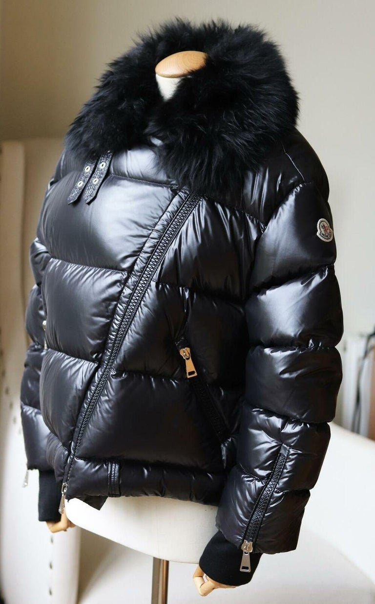 Moncler Foulque Shearling Trimmed Quilted Patent Shell Down Jacket In Excellent Condition In London, GB