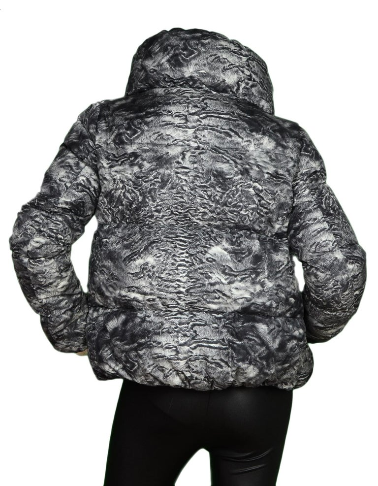 Gray Moncler Grey Ratel Astrakhan Print Zip Front Puffer Jacket Sz 1/Small For Sale