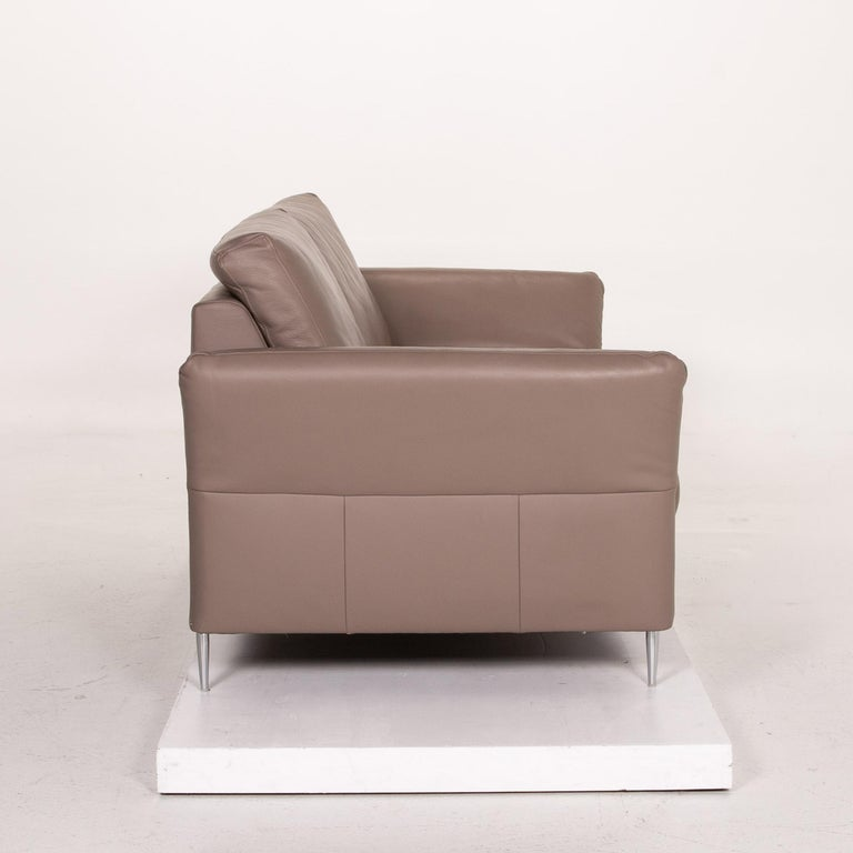 Mondo Leather Sofa Beige Three-Seat Function Couch For Sale 4