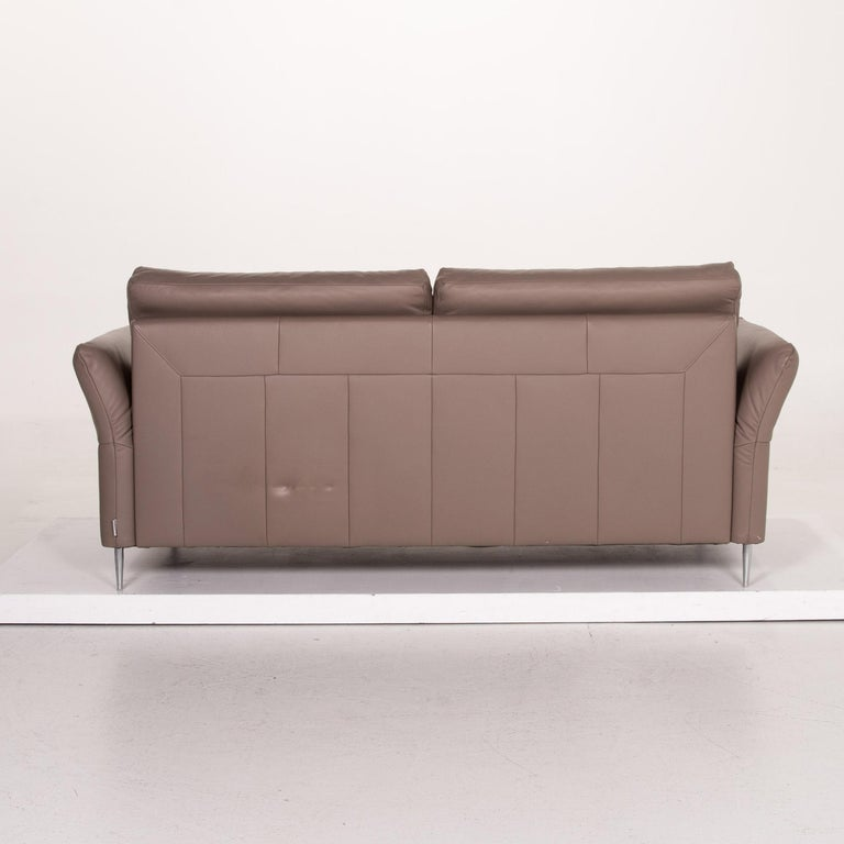 Mondo Leather Sofa Beige Three-Seat Function Couch For Sale 6