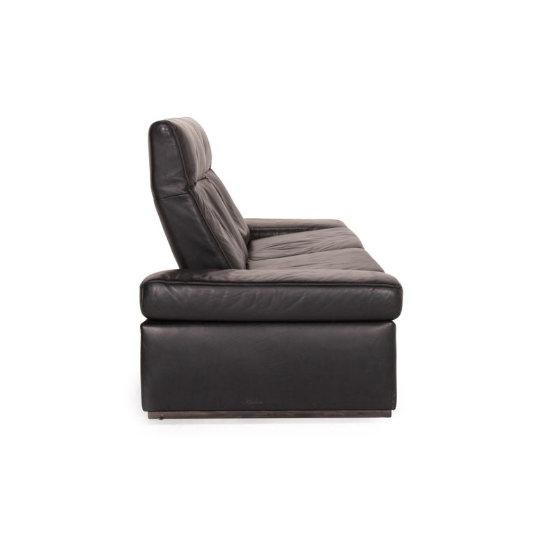 Mondo Leather Sofa Black Three-Seat Electrical Function Relaxation Function For Sale 5