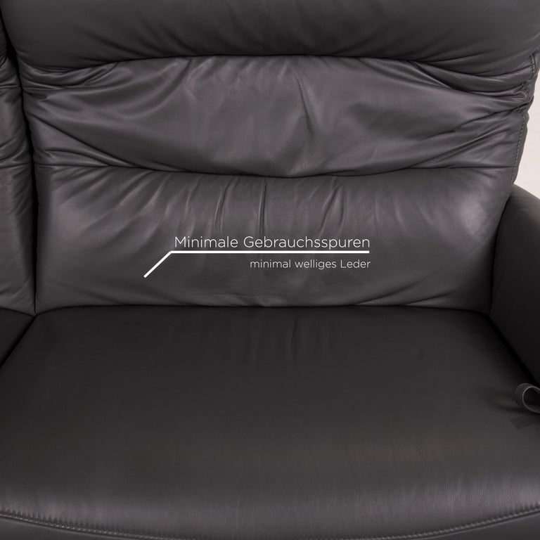 Mondo Recero Leather Sofa Gray Two-Seat Function Relax Function Couch In Excellent Condition For Sale In Cologne, DE