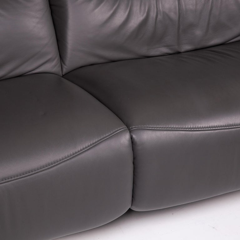 Contemporary Mondo Recero Leather Sofa Gray Two-Seat Function Relax Function Couch For Sale